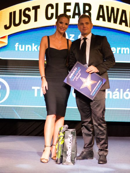 2020-02-19-just-clear-award-photo-u-2048_107