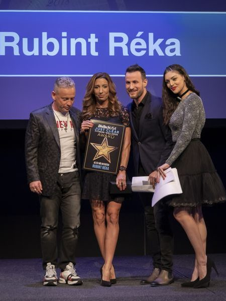 justclear-award-2019-136